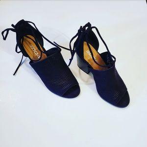 Soda Black Open Toe Ankle Tie Up Heels Size: 5.5